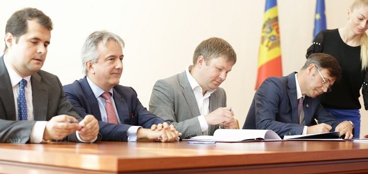 The signing of a loan agreement between the EBRD and Moldova Agroinbank, October 2018